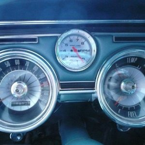 Autometer tachometer in clock position (old)