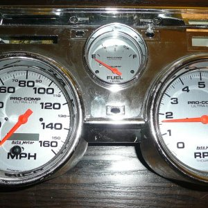 Autometer Speedometer Tachometer and Fuel Level Gauges